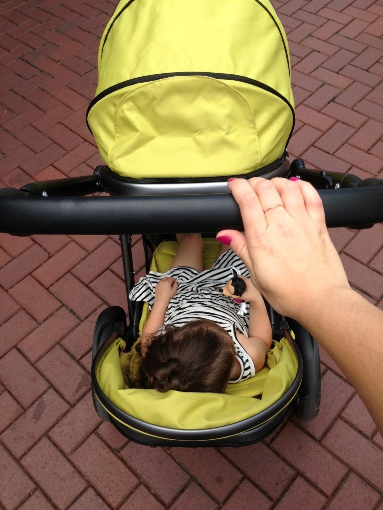A Day at the Farmer's Market With the Joovy Too Qool // @ The Little Things We Do